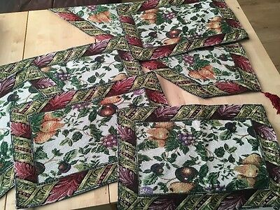 table runner and mats fruits cottage style