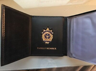 NYPD Mini Badge Wallet  Captain Family Member /credit Cards/ID Pictures.