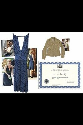 Julie Bowen Modern Family SCREEN WORN costume props LOT w/ COA! - Claire Dunphy
