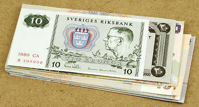 21 Different World Banknotes UNC
