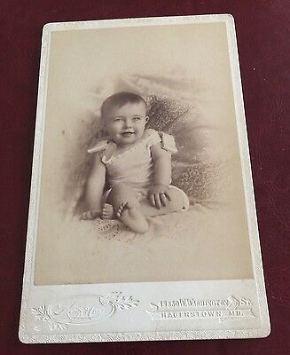 CABINET CARD,Vintage Photo, Hagerstown Md, W B King, Beautiful Smiling Baby