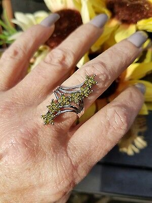 Traveling Flower Peridot Cluster Knuckle Ring, 925, Size 7