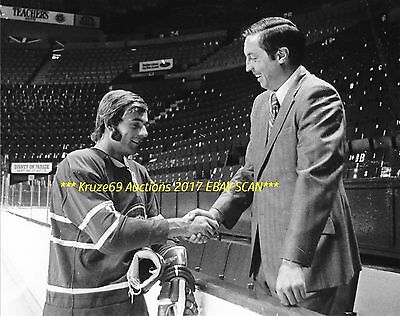 JEAN BELIVEAU Welcomes #1 Pick GUY LAFLEUR to FORUM 8x10 MONTREAL CANADIENS HOF