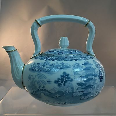 Very nice antique Staffordshire Pottery teapot Willow pattern c1874