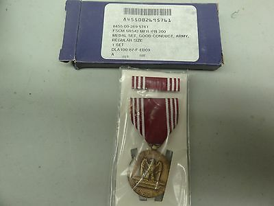 Genuine Full Size Us Military Medal And Ribbon Set Army Good Conduct Medal