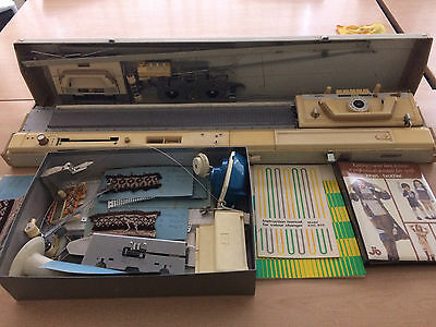 Brother Kh830 Knitting Machine 2 Colour Pattern And Lace Maker