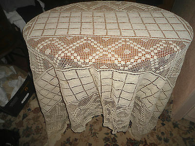 "A Gorgeous Vintage Cream Lace  Tablecloth 81"" X 65"""