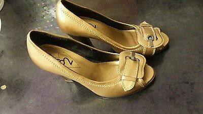 Size 3, High heels gold ladies sandals/shoes.