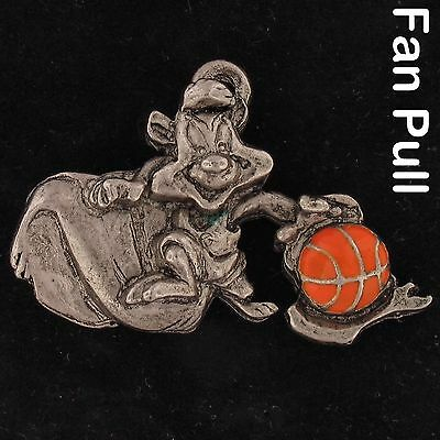 FAN PULL Pepe Le Pew WARNER BROS LOONEY TUNES WB STORE Pwtr BASKETBALL 4266