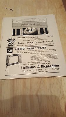 Luton Town V Newcastle United 30.3. 1963   - Division Two