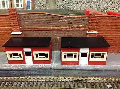 Triang Triang Hornby Waiting Room x 2