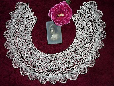 "Superb Antique Ivory Lace Collar 26"" X 7"" Good Condition."