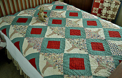 Spectacular Antique Hand Stitched Calico Tree of Life Quilt *