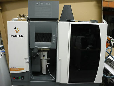 AGILENT Varian AA240FS Fast Sequential Atomic Absorption Spectrometer