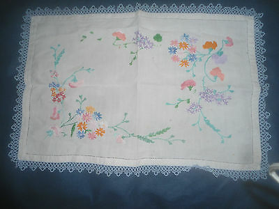 "A Gorgeous White Linen Hand Embroidered Tray Cloth With Lace Edge 19.5"" X 13.5"""