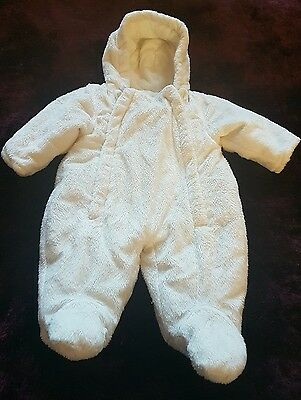 Girls/Boys snowsuit age 0-3 months