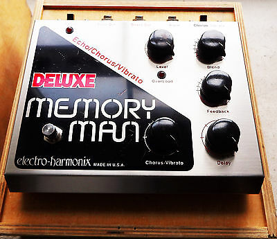 Electro Harmonix Deluxe Memory Man (MN3005 chipped) with wooden box.