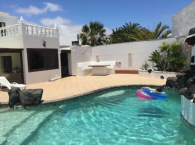 Sunny Lanzarote Large Family Villa Sleeps 16 Ideal Wifi Private Pool Sept 2017