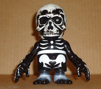 Secret Base - SKULL B×B×SKULL - Sofubi Toy japan The Skulls Fight Figure sofvi