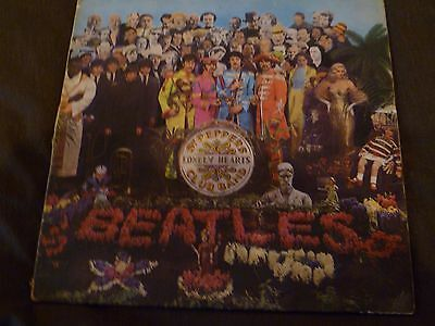 The Beatles Sgt Peppers album Mono PMC 7027