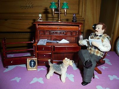 Dolls-House 1/12 Bundle-Gent with glass-writing desk with documents-chair-dog