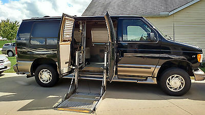 2002 Ford E-150 V8 w/ Wheelchair Lift and EMC Hand Controls