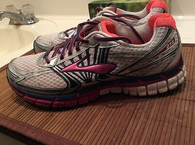 Women's Brooks Running Shoes Size 11 Sneakers