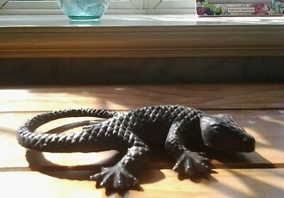 Lovely....METAL....LIZARD...quite heavy....EXCELLENT CONDITION...
