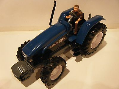Britains New Holland 8560 Tractor 1/32