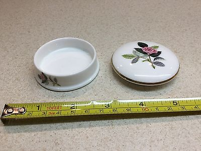 Wedgwood 'Hathaway Rose' trinket/pill box