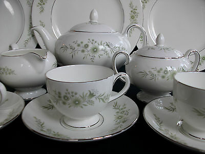 WEDGWOOD WESTBURY (c.1965-1996) CUP AND SAUCER (s)- EXCELLENT!! PLATINUM!!