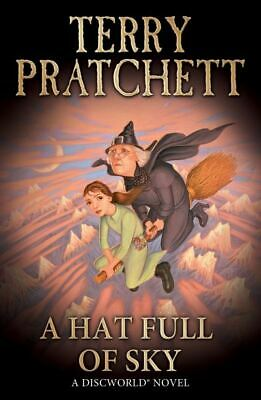 A hat full of sky by Terry Pratchett (Paperback)