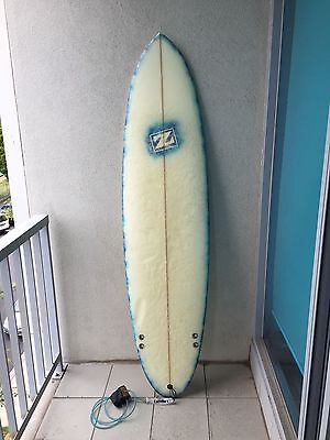 """Surfboard 6'8"""" FCS 3 fin with legrope"""