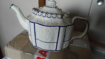 GEORGE 111 CIRCA 1795 - 1810 Blue lined 'Castleford-type' teapot, sliding cover