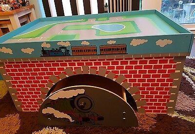 Thomas the Tank Engine Wooden Train Table with Tunnel Drawer
