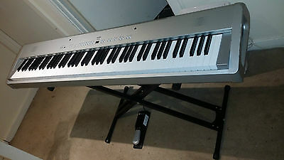 Piano Keyboard with 88 Weighted Keys - Kawai ES3