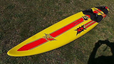 F2 Axxis 267 Windsurf Board 93l with Dakine footstraps and 30cm fin