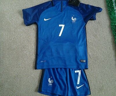 2016  FRANCE HOME SHIRT  GRIEZMANN 7 = SIZE boys 10-11 new with tags