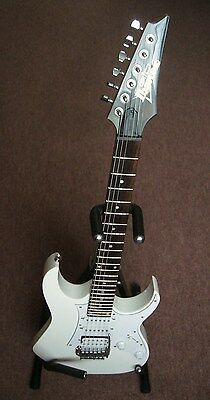 Ibanez GIO Series GRG-140 WH. Electric Guitar in White