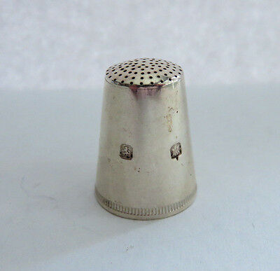 1970s BRITISH STERLING SILVER TALL THIMBLE BY SWANN THIMBLES