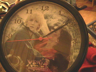 Xena Collectible clock 1998 Feturing Xena and Gabrielle