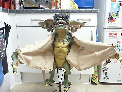 Gremlins 2 - Neca Prop Replica Stunt Puppet FLASHER - Discontinued - VERY RARE