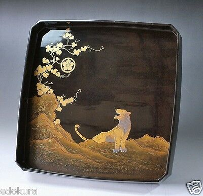 JAPANESE URUSHI MAKIE Wooden Lacquer OZEN TRAY TIGER KAMON Crest Hand Painted