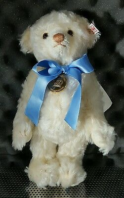 Steiff Royal Baby Prince George The Royal Baby Bear #664113Limited Edition