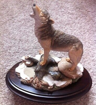 Rare Country Artists Beautiful Large Howling Wolf CA642 Handcrafted in England