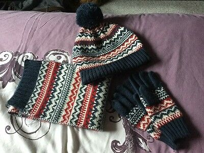 Next - Boys Hat Scarf and Gloves Set