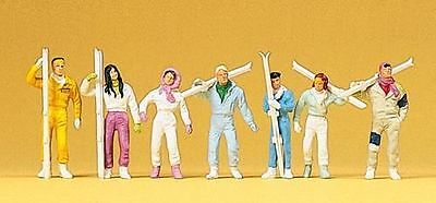 PREISER 10316 1:87 HO SCALE Skiers Standing with Skis X 7