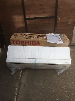 Toshiba 2.5kw Wall Mounted Heating And Cooling Air Conditioning Air Con 2 Left.!