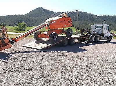 2006 JLG 400S Boom Lift- **VERY LOW HOURS**