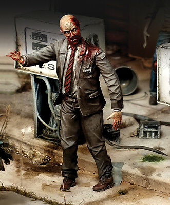 Royal Models 1/35 Zombie Series - White Collar Zombie (1 Figure)